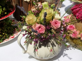 Like the teapot - great for a wedding