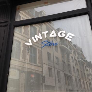 Closed vintage shop